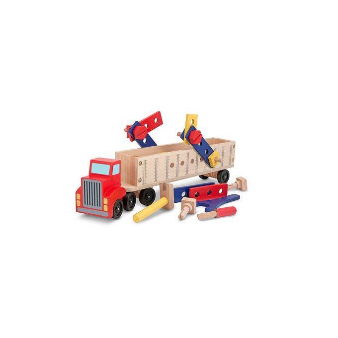 Suur veoauto tööriistade ja ehitusvahenditega
