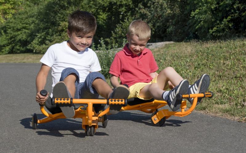 Poisid ratastel